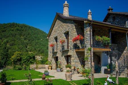 Borda Fuertes, Ordesa, Pirineos