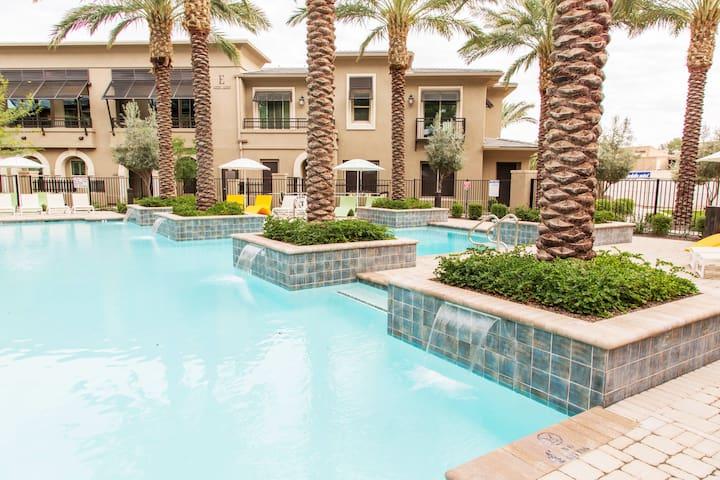 Scottsdale Resort Style Living!!! - Scottsdale - Lejlighedskompleks