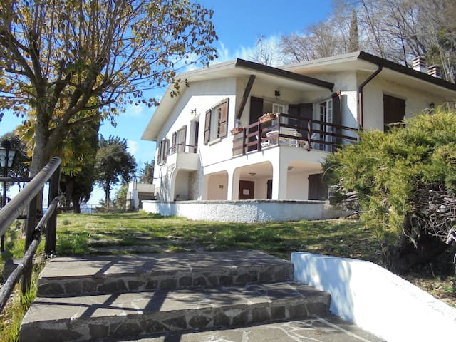 Panoramic villa - San Bartolomeo