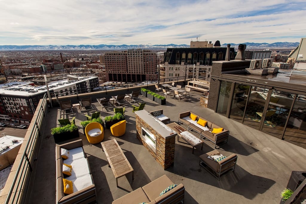 Building roof deck
