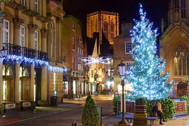 In the ❤️ of York City Centre nr to Xmas Market