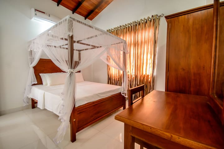 Negombo Villa near Beach/Airport - Double Room