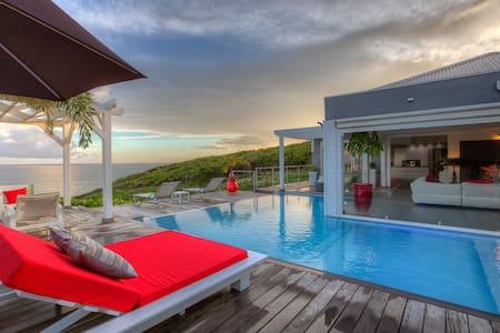 Villa Paradise classée5 * un rêve au bord de l'eau