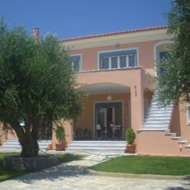 Chranoi Messinia Modern Furnished Apartment