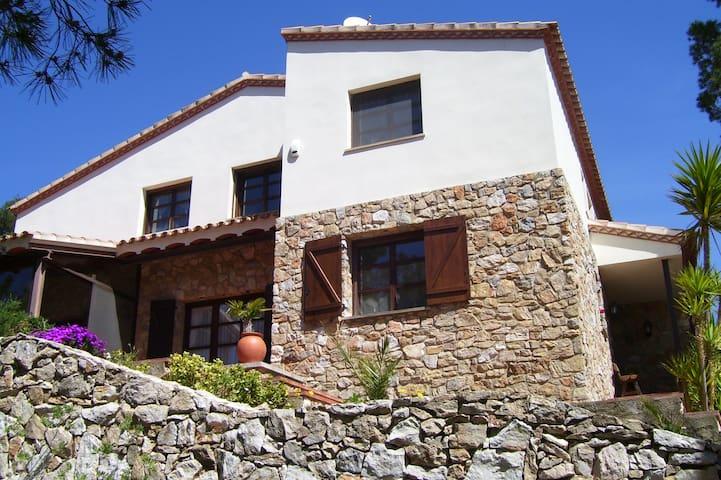 Villa Claudine - L'Albiol - House