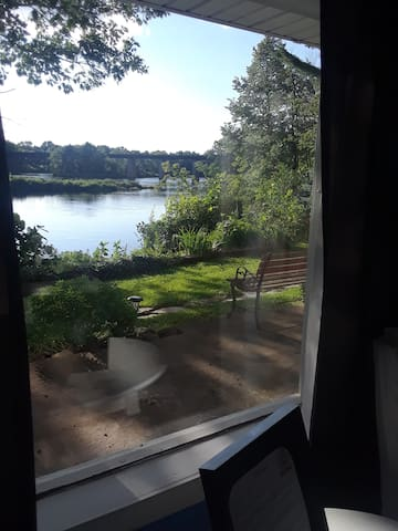 Kennebec River Suite, Private entrance,Central ME.