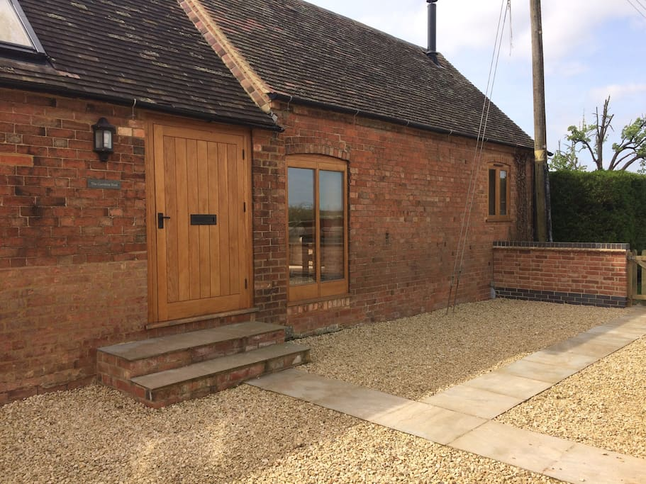 The Combine Shed Oosland Barns Cottages For Rent In
