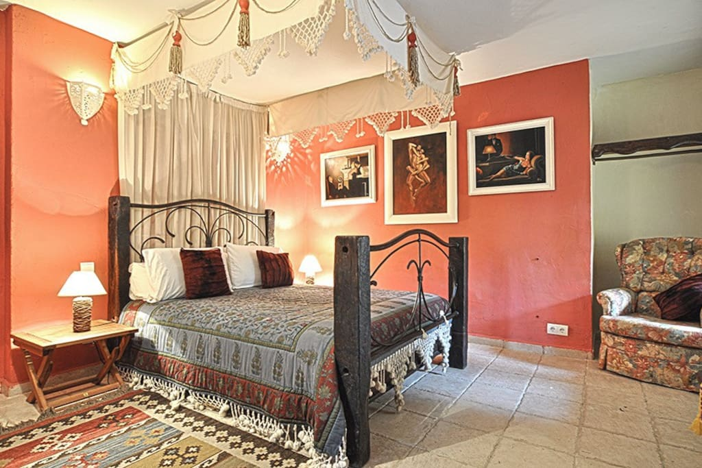 """The Amber Room"" Double bedroom"