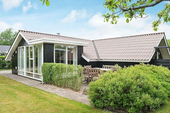 Luxurious Holiday Home in Esbjerg near Sea