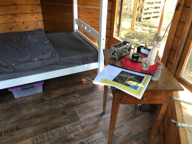 Abenteuer - die Hütte auf dem Bauernhof