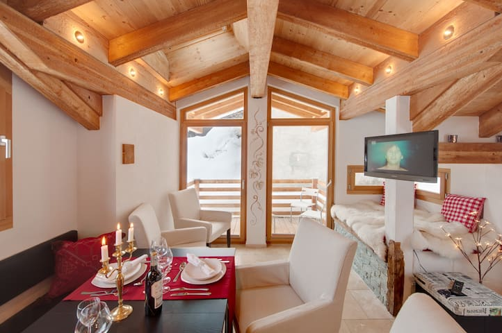 Chalet Alpoase Zermatt, Matterhorn view, 4 guests