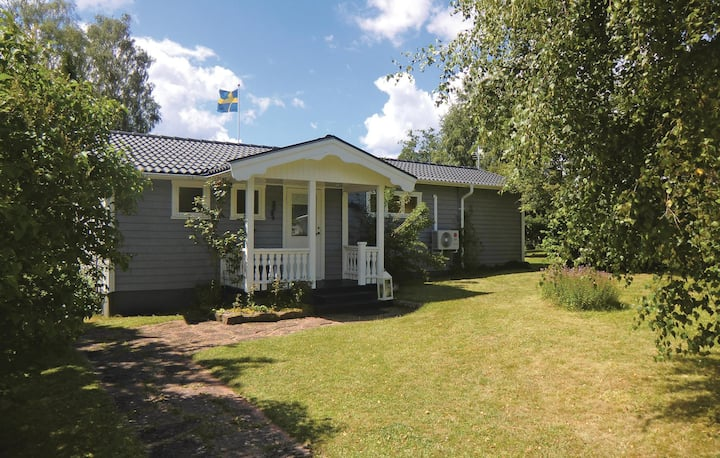 Awesome home in Borgholm with WiFi and 4 Bedrooms