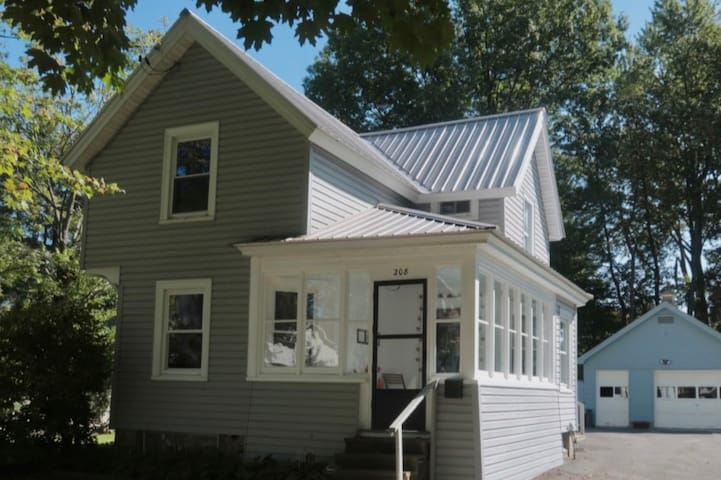 Adorable Village Home -1 Block From Onondaga Lake!