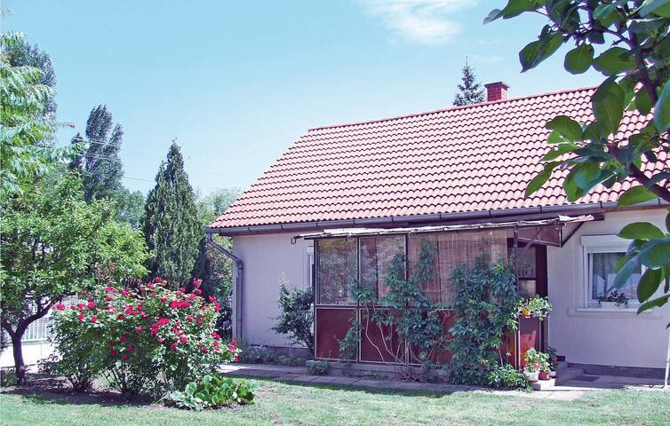 Holiday cottage with 3 bedrooms on 74m² in Balatonboglár