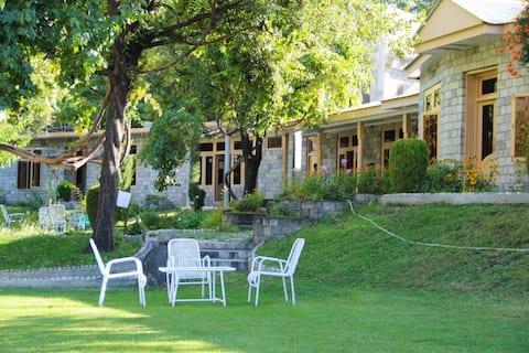 Hotel Green Palace, Gahkuch