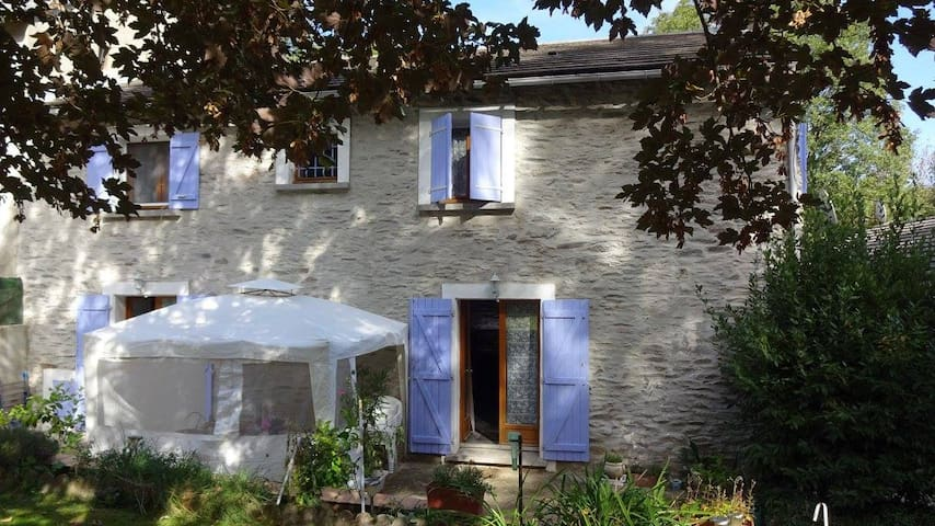 Maison de campagne en pierre au coeur du Tarn - Saint-Pierre-de-Trivisy - Casa
