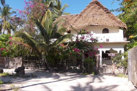 FAIRYTALE VILLA ZANZIBAR - lovely and spacious! - Jambiani
