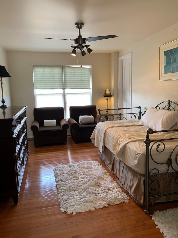 Furnished Room-Peaceful Neighborhood