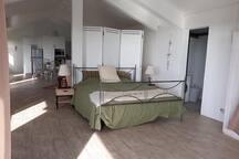 21LG Le Morne View The Loft (Double Bed 1 (180x200) - Ensuite Shower room