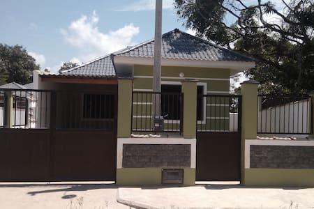 Casa Região dos Lagos Araruama-Pr. Seca-Saquarema