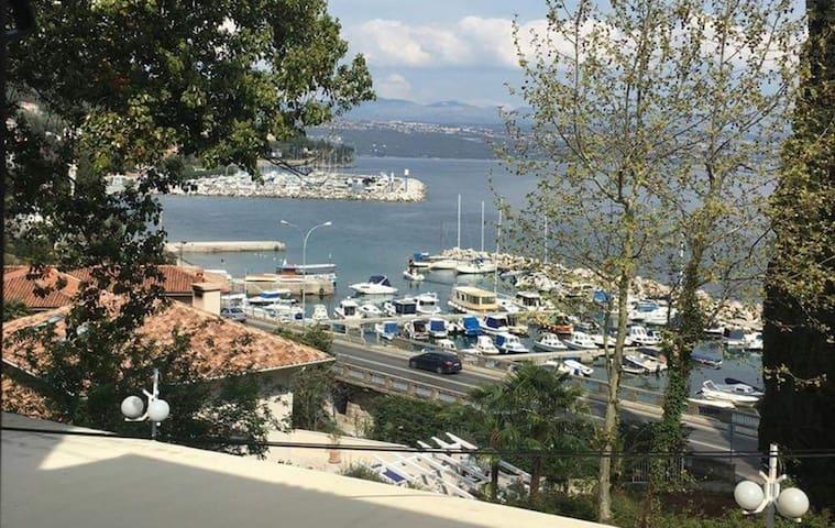 Apartment - Villa Triestina - 50 m from the Beach