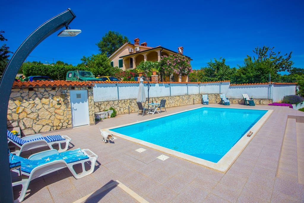 Villa Danny is an rustical furnished villa situated in a quiet location in central Istria.