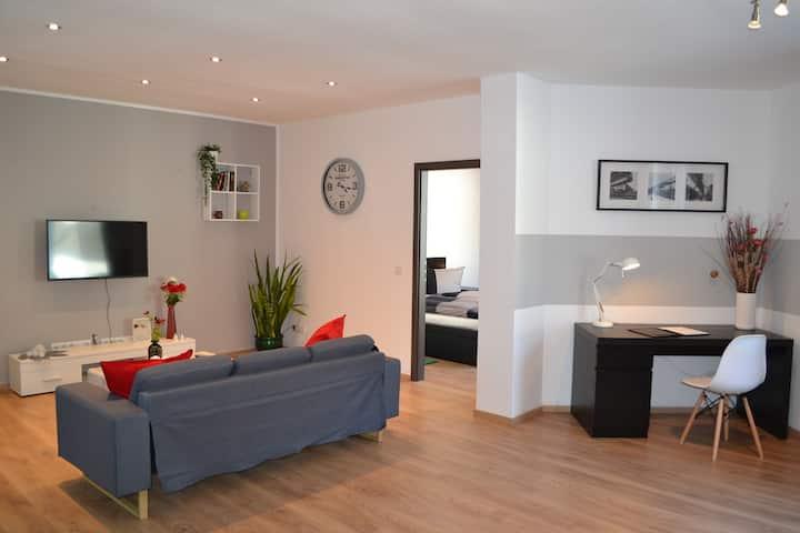 Moderne Wohnoase mit eigener Terrasse