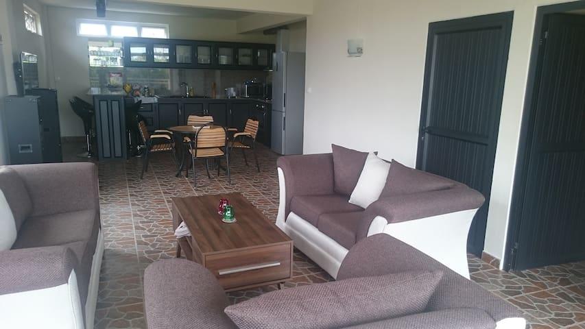 Appartement spacieux St Antoine -Goodlands