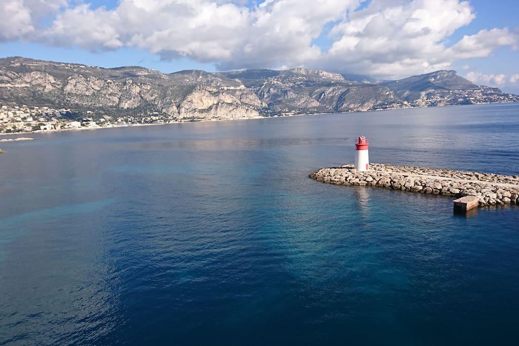vue du port sur Eze et Monaco