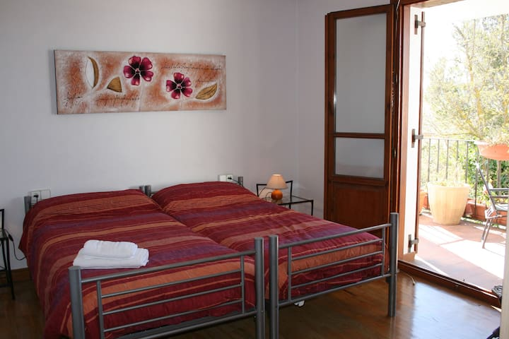Habitación doble con terraza privada - Tiebas - Talo