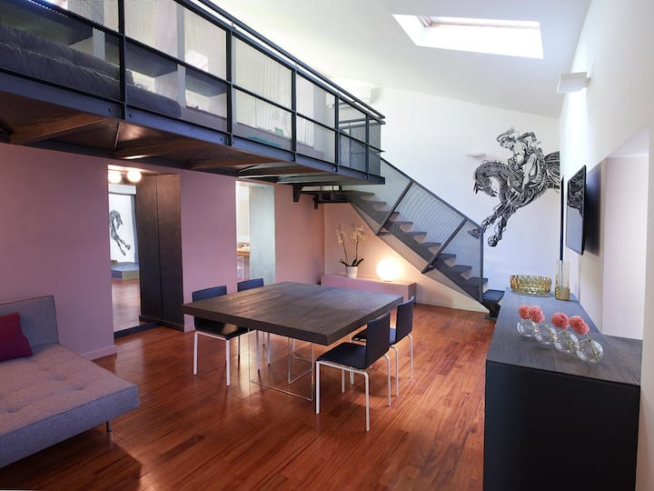 Luxury Serviced Apartment with private Kids Area