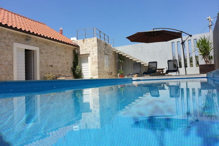 Mediterrane Villa in Podgora am Meer