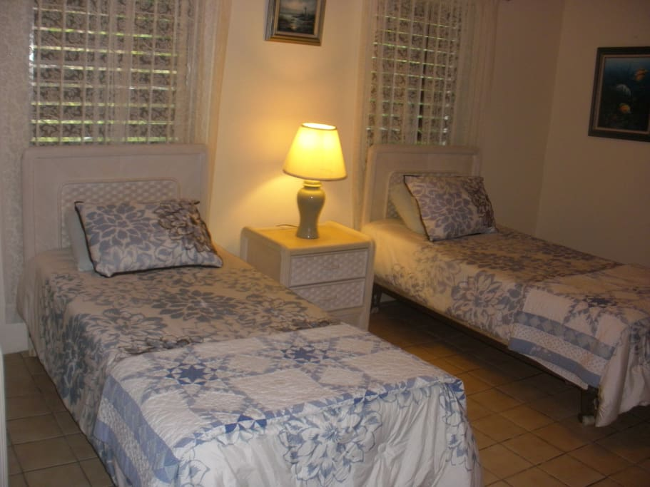 Private Bedroom, Twin beds, Private Bath