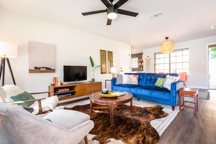 East Austin Cool Modern Bungalow - Extended Stays