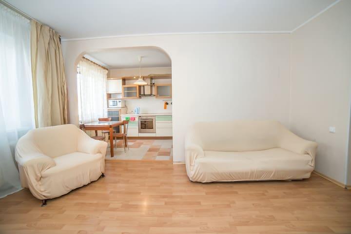 Трехкомнатная квартира на Невской 33 - Vladivostok - Appartement