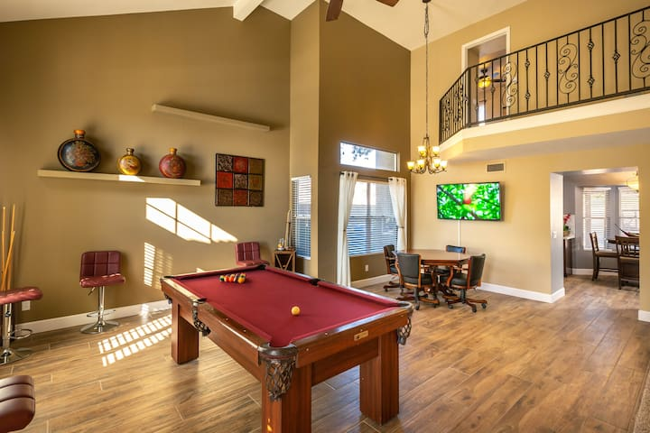 4 Bed, Entertainer's Dream in Sunny Lake Community