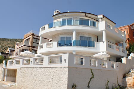 Luxury Villa With Pool, 50m To Sea - Ova Belediyesi