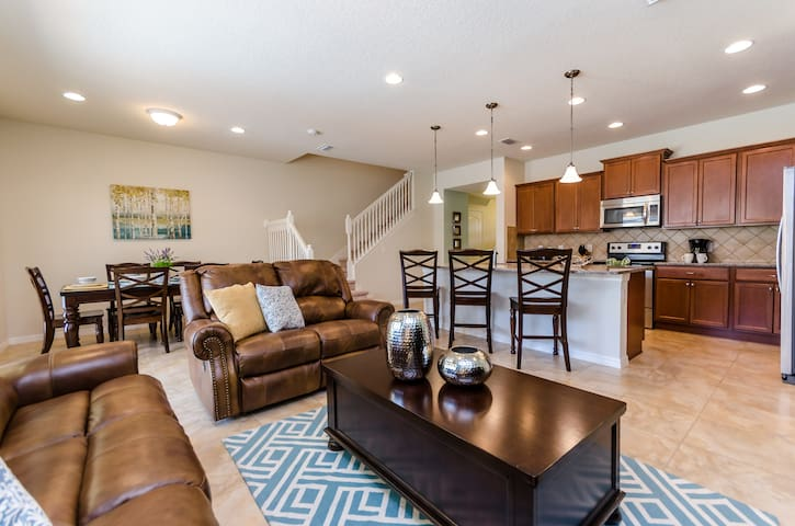 Living Room/Fully Equipped Kitchen