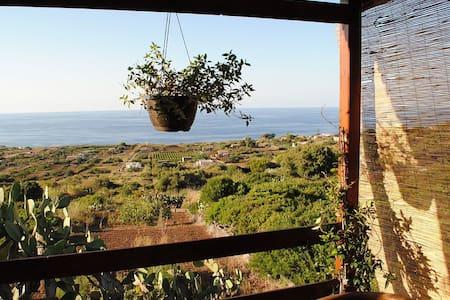 Delizioso Chalet vista mare - Ustica