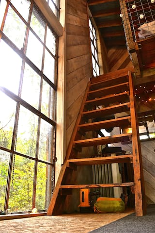 Steps up to the loft.