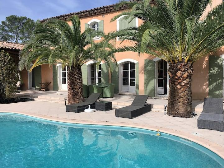 Le Charme d'une bastide de luxe proche de Cannes