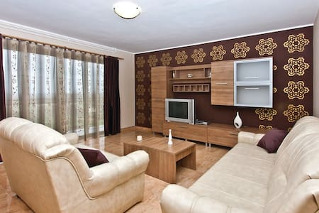 3 Bedrooms Apts in Kanfanar - Kanfanar - Apartment