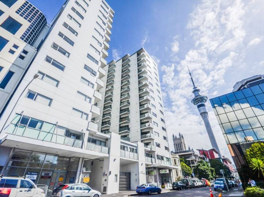 207 Federal St, 300M to Sky Tower