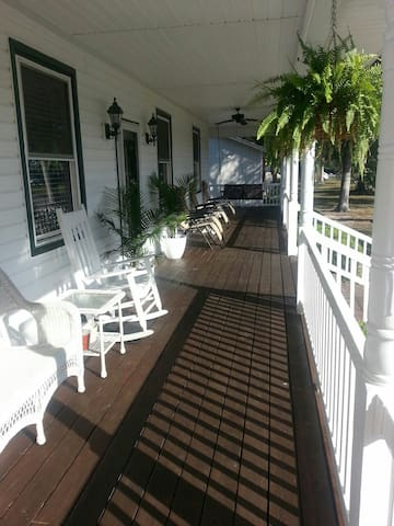 Beautiful Beach Ranch on Oak Island - Oak Island - Hus