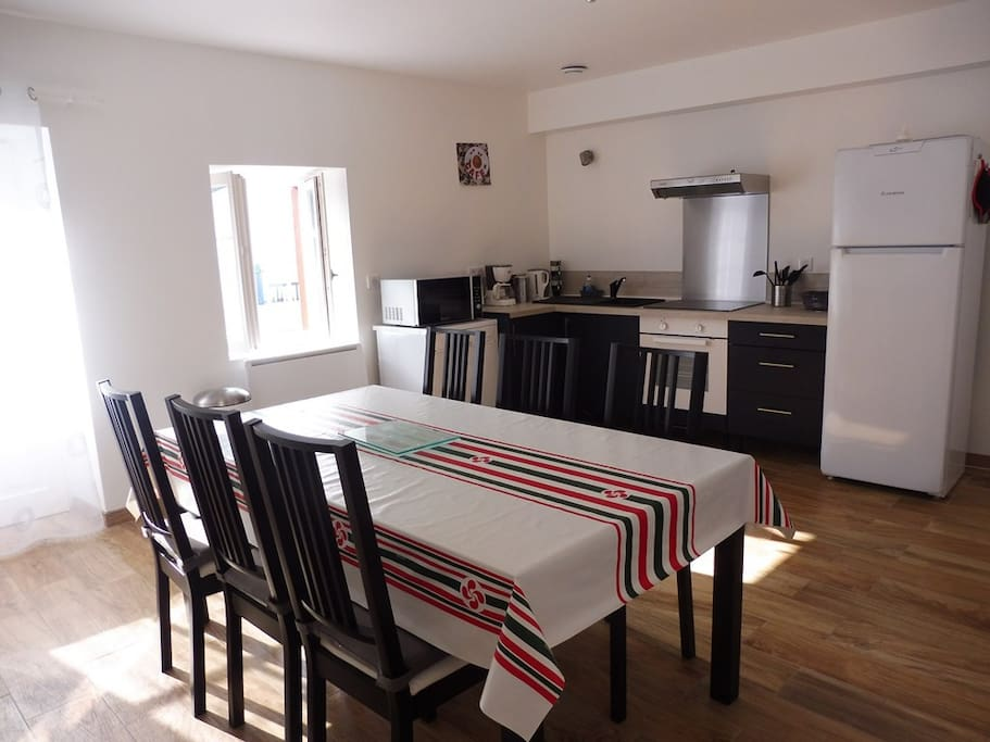 appartement t3 bas cambo apartments for rent in cambo les bains nouvelle aquitaine france. Black Bedroom Furniture Sets. Home Design Ideas