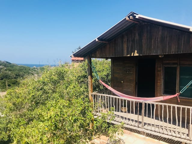 Frangipani - cozy cabin- great location!