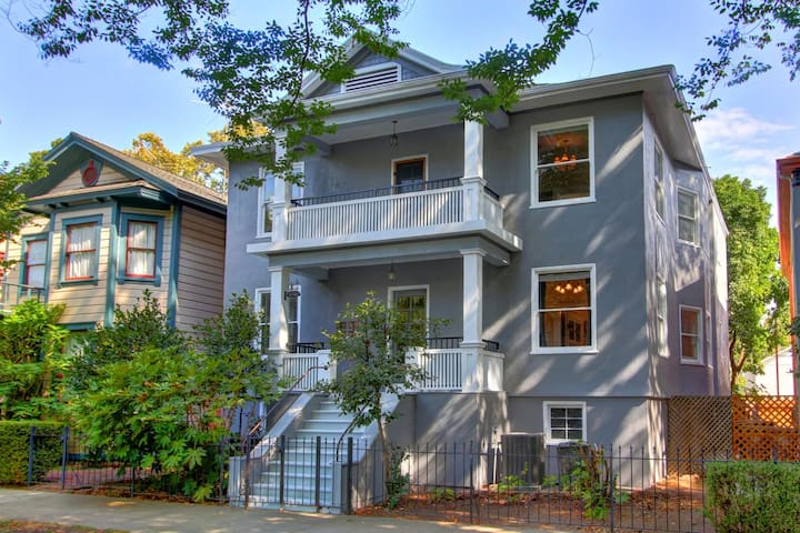Downtown Sacramento Historic 1 bedroom apartment
