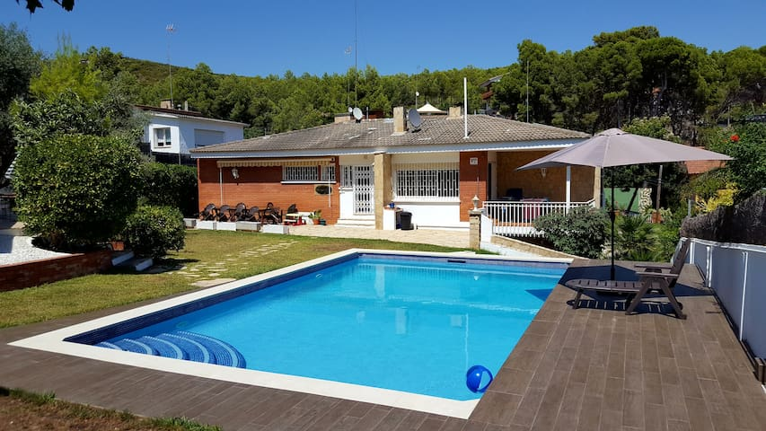 House with heated pool  Castelldefels, Barca