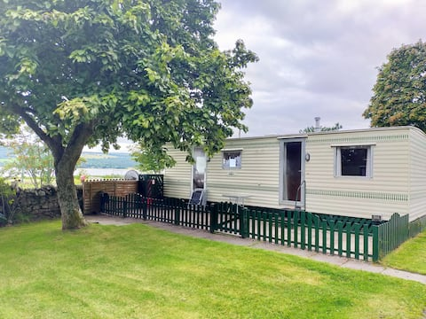 Self Catered caravan overlooking the Beauly Firth