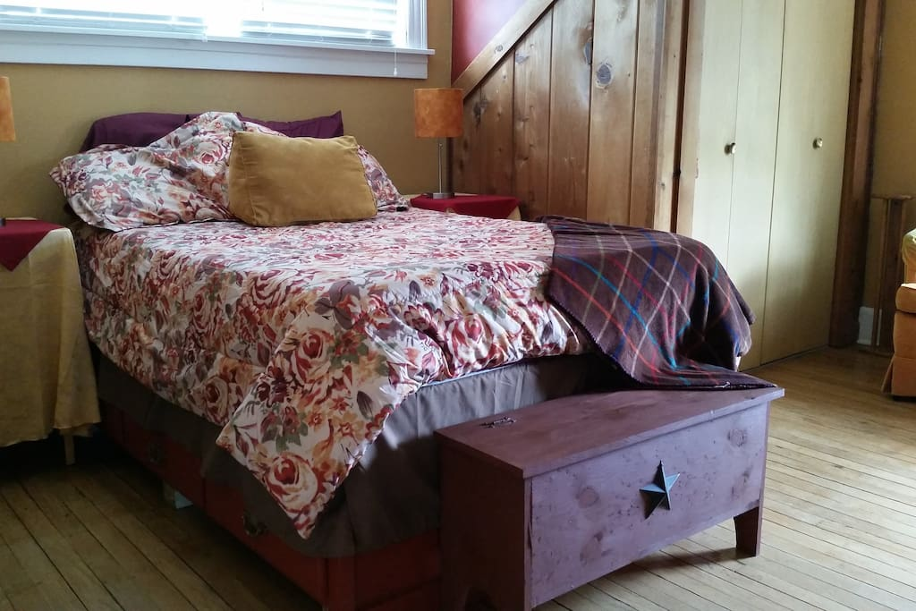 Upstairs Bedroom- full bed